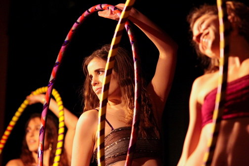 Hoop (la) Club performing